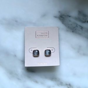 New 14th union square crystal stud earrings gray